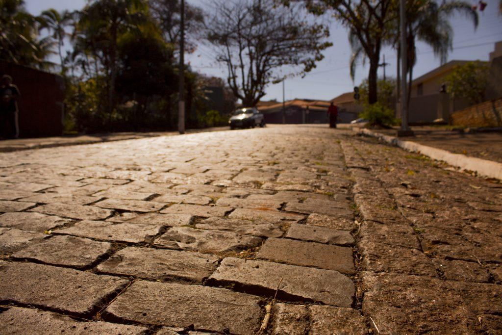 História em cada bloco de pedra, ajuda a mante-la viva