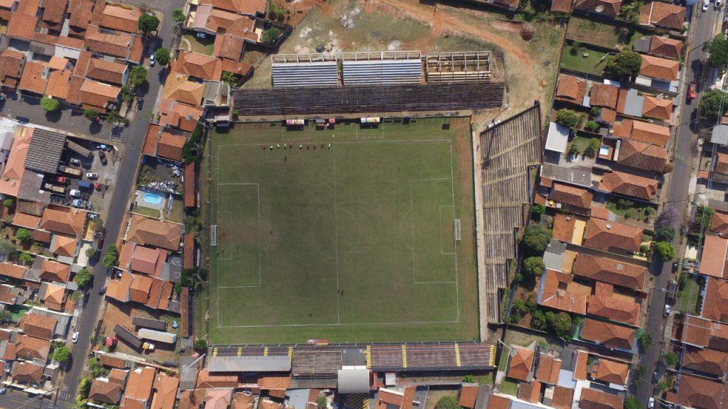 Vista aérea do estadio Leônidas Camarinha  da Esportiva Santacruzense