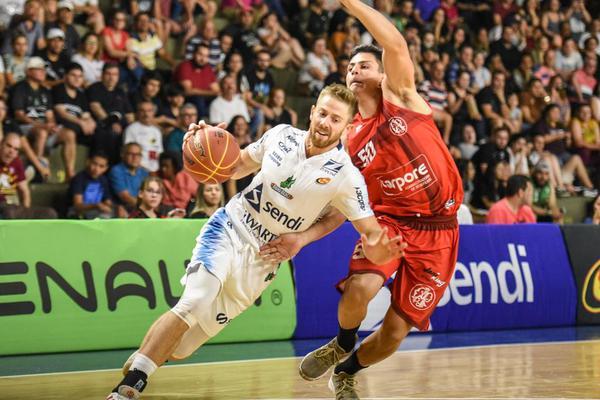 Kevin Crescenzi foi um dos destaques da partida de hoje (Victor Lira/Bauru Basket)