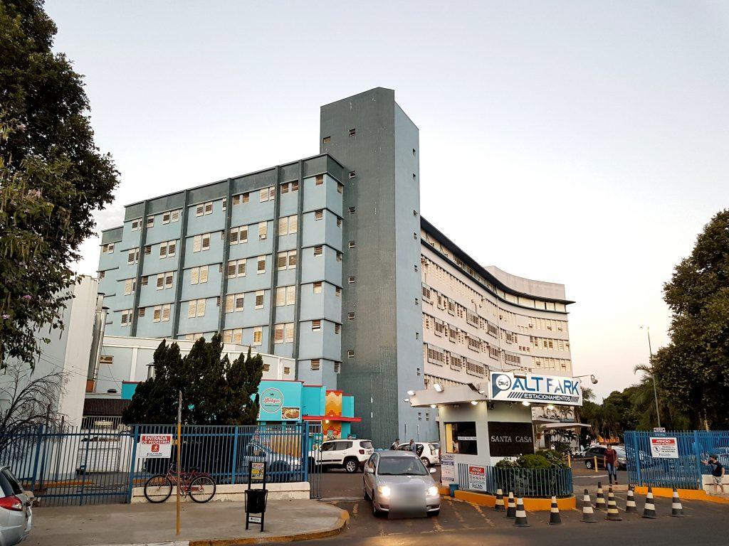 Santa-casa-de-Araçatuba-Estacionamento