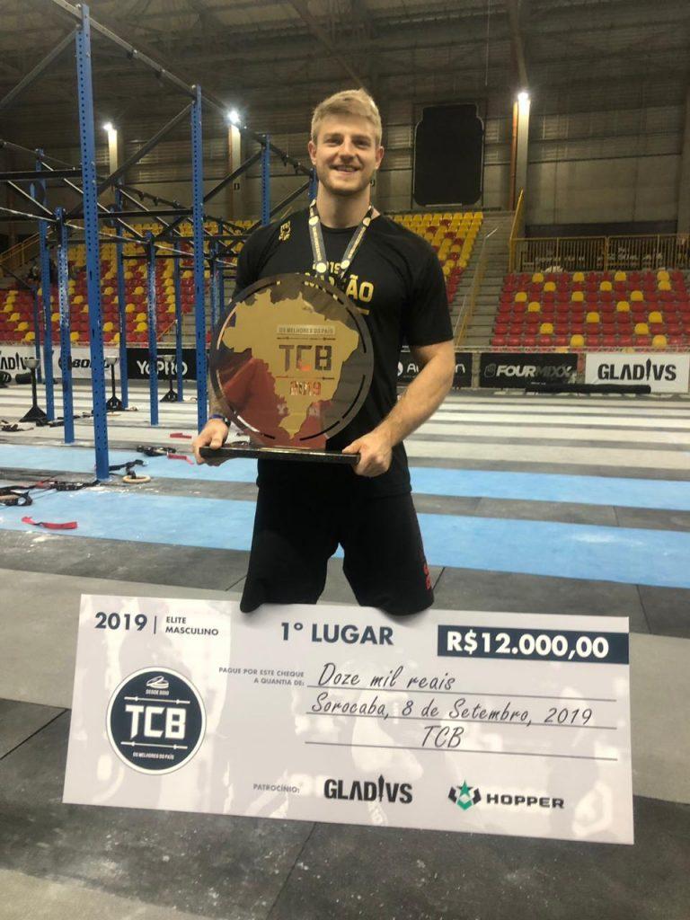 Kaique Cerveny foi campeão de Crossfit na categoria Elite do TCB