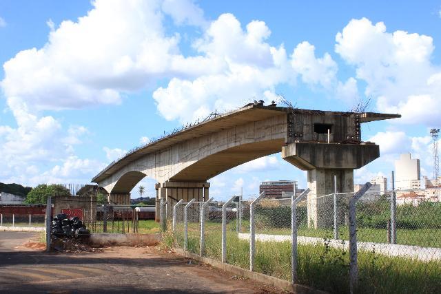 6 provas de que Bauru é realmente a cidade Sem Limites - o viaduto inacabado e inaugurado 22 anos depois