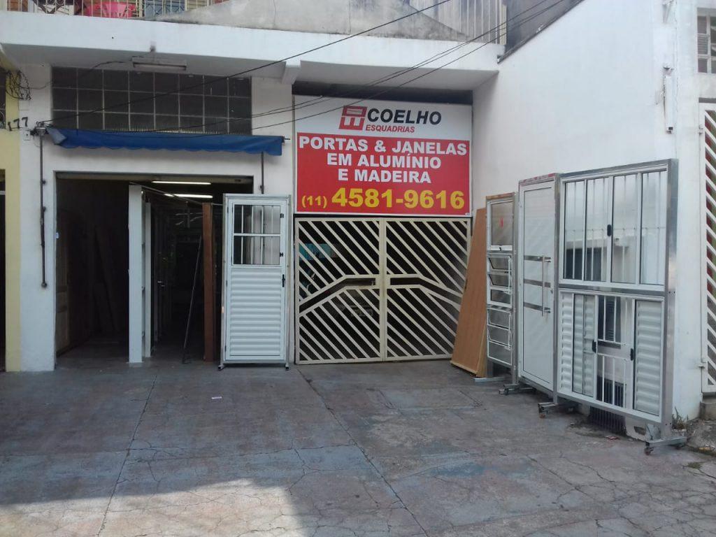 Fachada da loja do Jd Tulipas da Coelho Esquadrias.