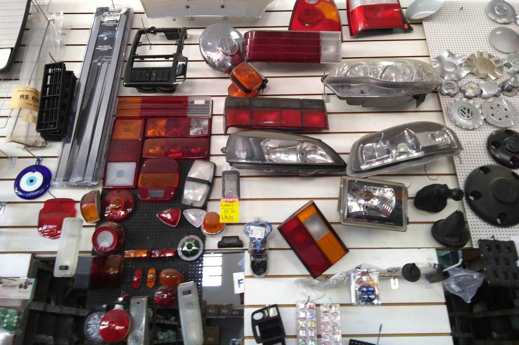faróis, lanternas e acessórios na spx acessórios e autopeças