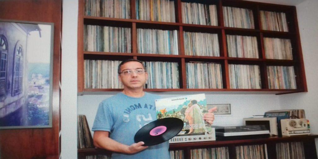 Colecionadores relatam suas paixões e trajetórias com discos de vinil