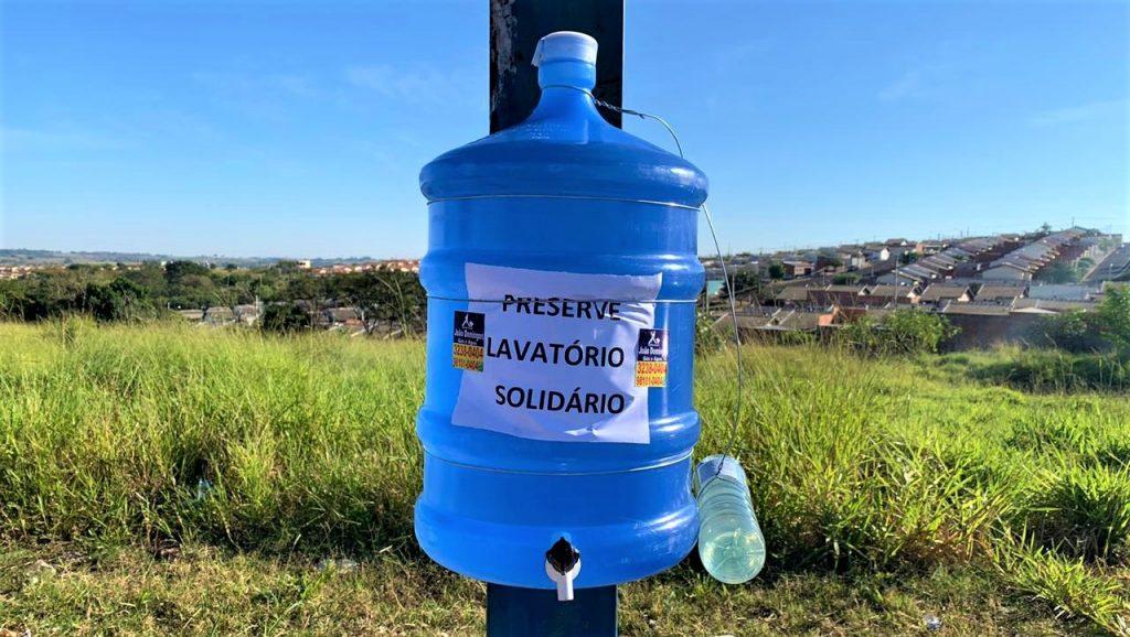 Ultragaz instala lavatórios solidários nos pontos de ônibus do bairro João Domingos Netto em Presidente Prudente