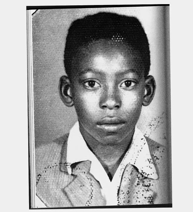 Foto de Pelé na infância. Quando criança, Pelé viveu em Bauru.